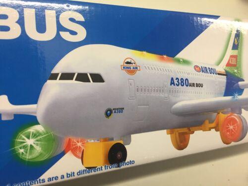 AIRBUS A380 AIRLINES Treno Doppio Bus//piano Toy Luci//Suoni Regalo di Natale
