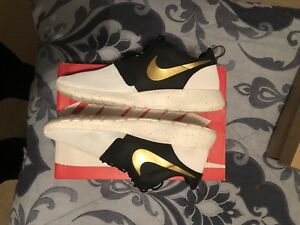 best service eb85a d477d Image is loading Nike-Roshe-Run-Hyperfuse-Premium-QS-Gold-Trophy-