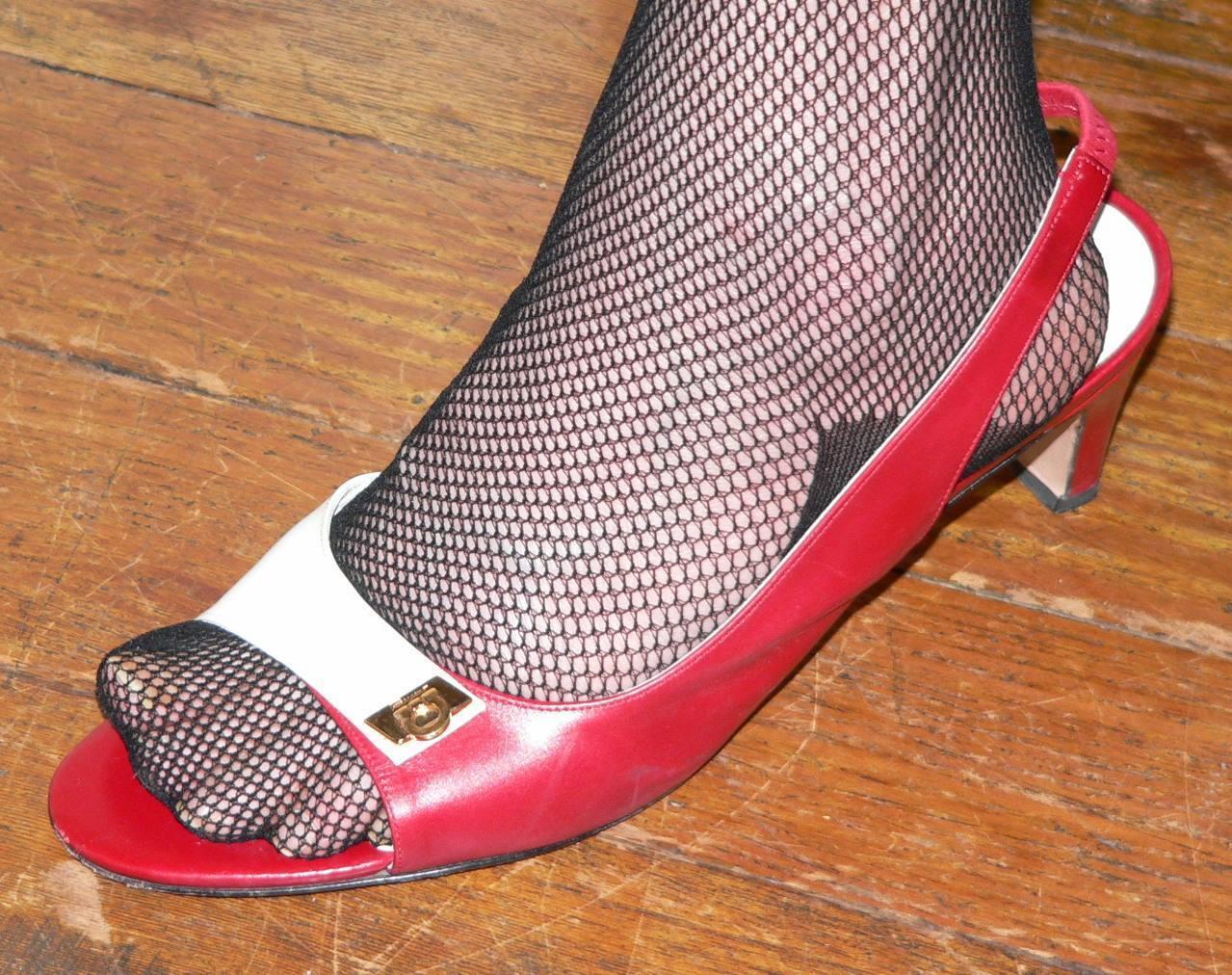Último gran descuento SALVATORE FERRAGAMO LADIES RED & WHITE SLINGBACK SANDALS/size 7