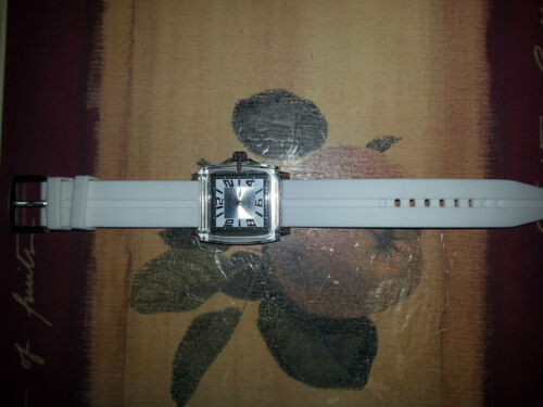 6707a61b2d02 4 of 8 Watches 5 All Quartz .1 Softech