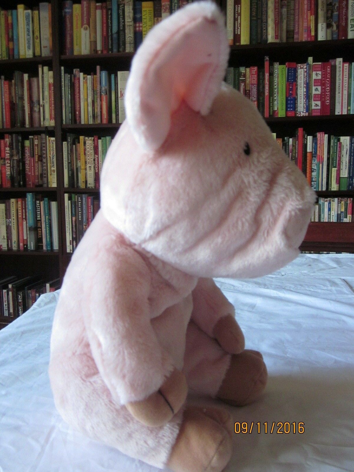Autographed copy If you you you give a Pig a Party e plush pig Kohl's autoes 44b473