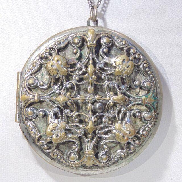 Vintage 1960s big ornate locket filigree front floral back pendant necklace 2