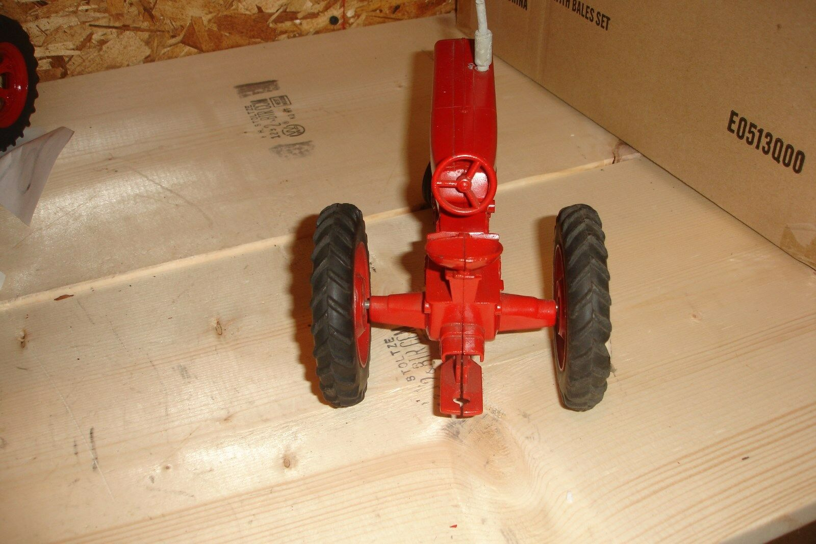 1/16 Ertl 560 toy tractor