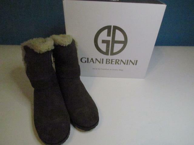 NIB Woman's Giani Bernini Army Green Suede Ankle Boot Sz 7 M Org 139.50