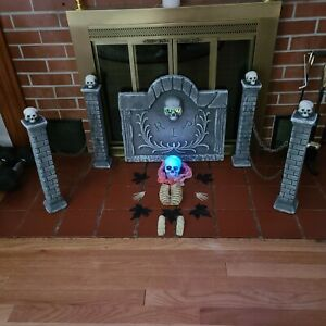 Halloween-Lighted-RIP-Gravestone-Tombstone-and-Skeleton-Kit