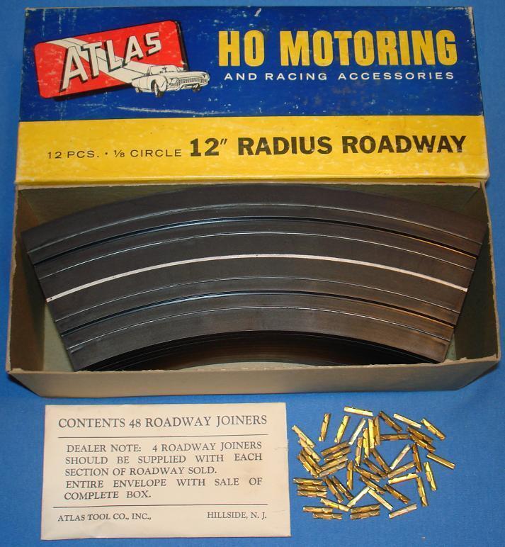 ATLAS HO Scale Motoring Slot Car Racing Piste 12 PIECES 12 in (environ 30.48 cm) Radius  1232-59