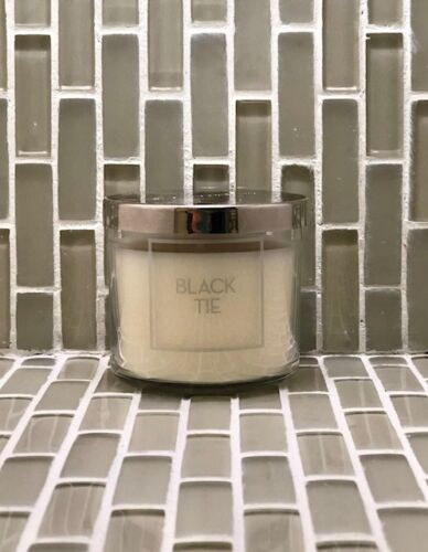 environ 113.40 g Bath and Body works candle 4 oz Choix