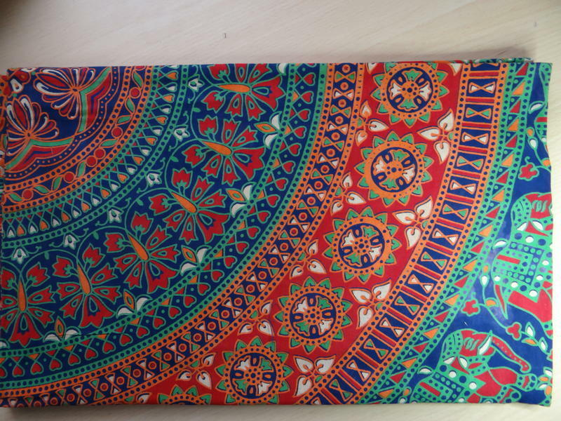 rot Elephant on Blau and rot Table Cloth Cotton 210 x 240 cm Hand Made