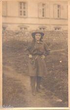 BM114 Carte Photo vintage card RPPC Femme cow girl pistolet chapeau hat