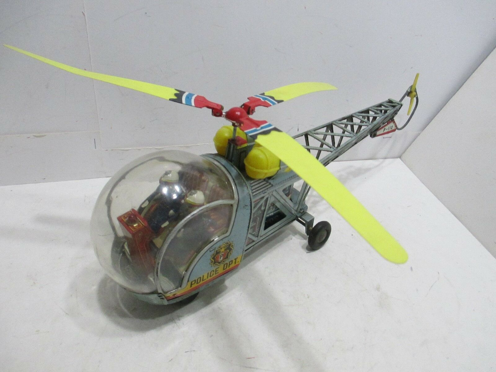 BELL 47  POLICE PARTOL HELICOPTER--BATTERY OPERATED--TESTED WORKS GOOD--JAPAN