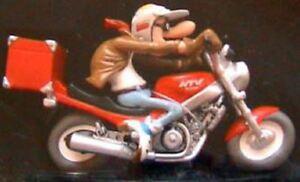 Resin figurine joe bar team terieur alex on his motorcycle suzuki 1100 gsx-r 1//18