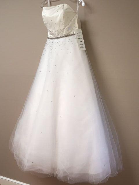 WEDDING DRESS LAZARO STRAPLESS WHITE BALLGOWN COUTURE SIZE 8 NEW W TAGS BEADED
