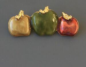 Vintage-Apple-Brooch-pin-in-enamel-on-gold-tone-metal