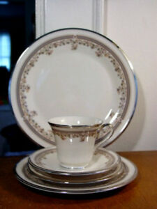 Lenox LACE POINT 5 Piece Place Setting - FIRST QUALITY - NEW!   eBay