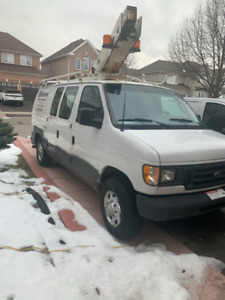 2003 ford E 350 Bucket Truck 34' Reach $ 7500.00