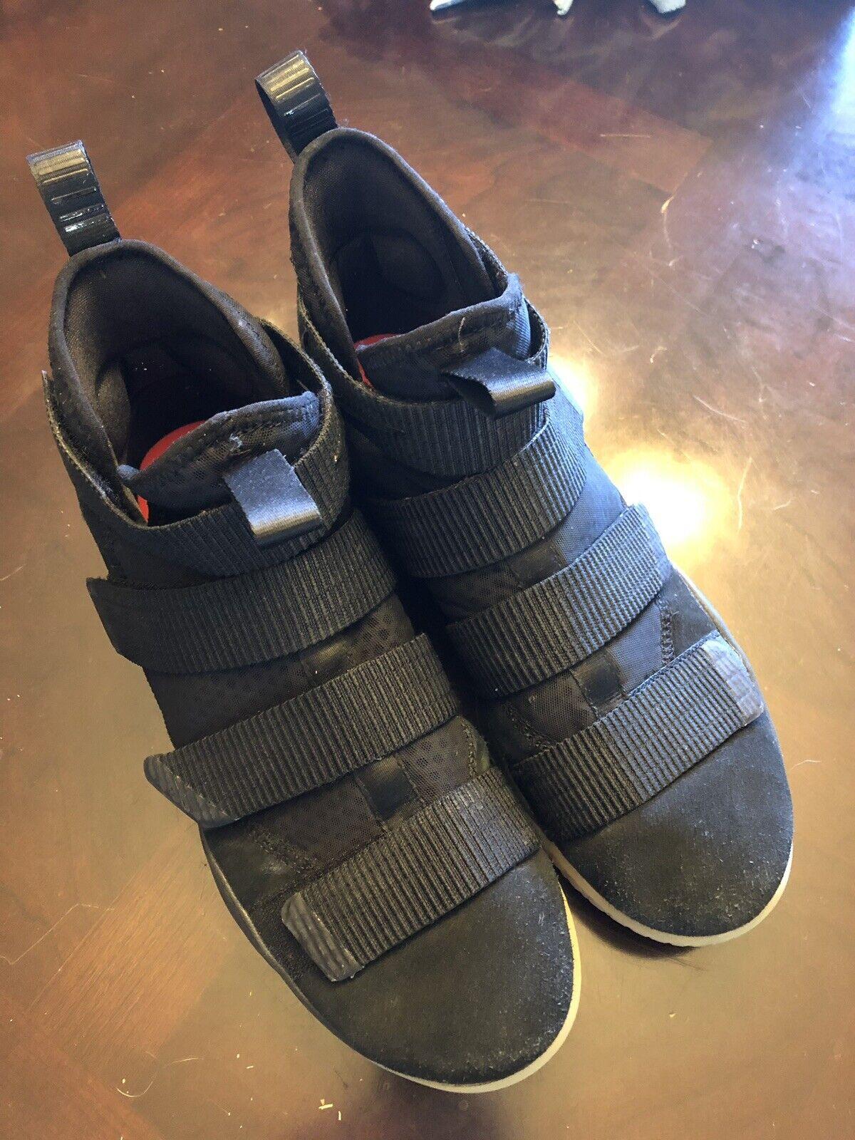 Nike Lebron Soldier XI 897644-007 Men's Black Black-Gum. Sz 11.5
