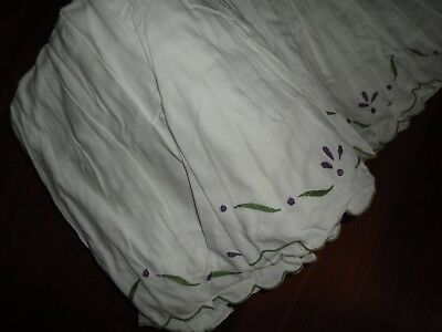 """VINTAGE HOME SPRING TULIPS EMBROIDERED WHITE PURPLE GREEN QUEEN BEDSKIRT 9"""""""