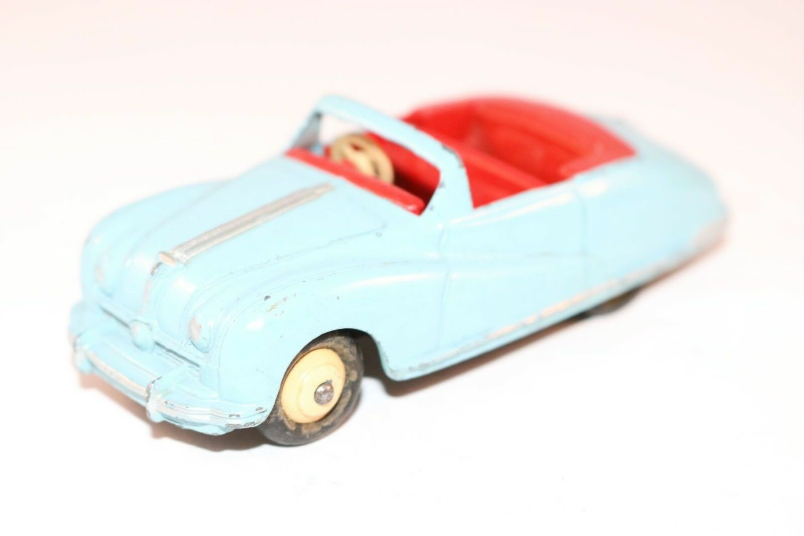 Dinky Toys 106 Austin Atlantic blueee excellent plus all original condition