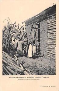 CPA-CONGO-FEMMES-CONSTRUISANT-LEUR-CASE