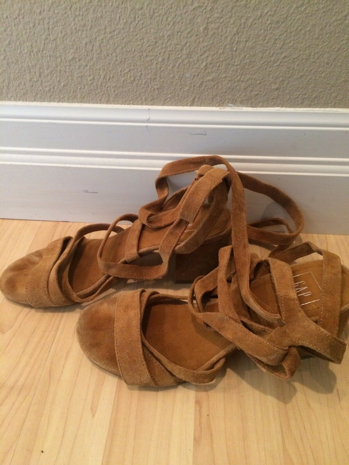 Man's/Woman's gap sandals 6 Tan  Suede Aesthetic appearance excellent Trendy Known for its excellent appearance quality af7db8