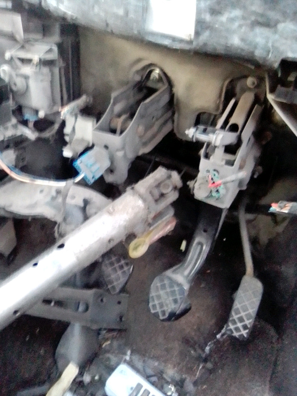 VW golf Mk4 1.6i brake booster with pedal