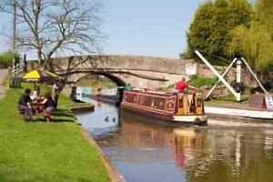 Postcard-of-the-Shropshire-Union-Canal-at-Norbury-Junction