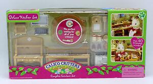 Sylvanian Families Calico Critters Deluxe Flower Garden /& Decor Set