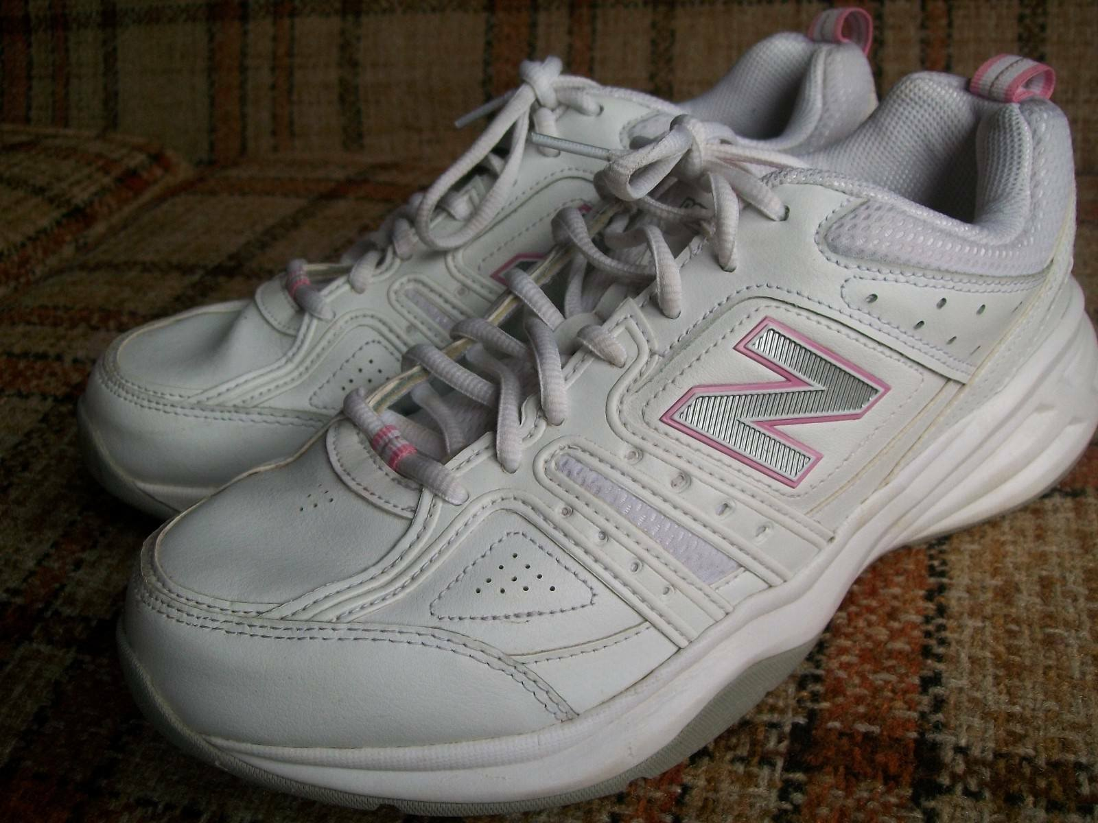 New Balance Womens Size 11D () White Pink Trim Trainers WX409WP2