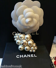 CHANEL 16C PWHITE PEARL CLUSTER GOLD CC RING SZ J 1/2 US 5 SMALL