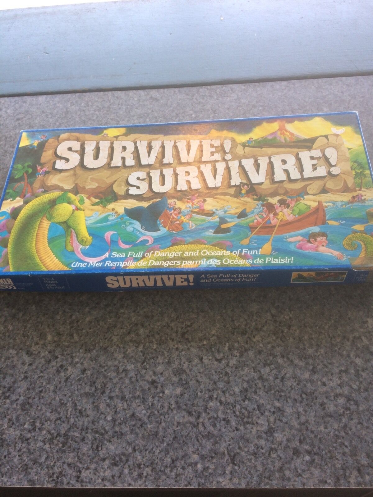 1982 Parker Brothers Survive Board Game Complete French Edition