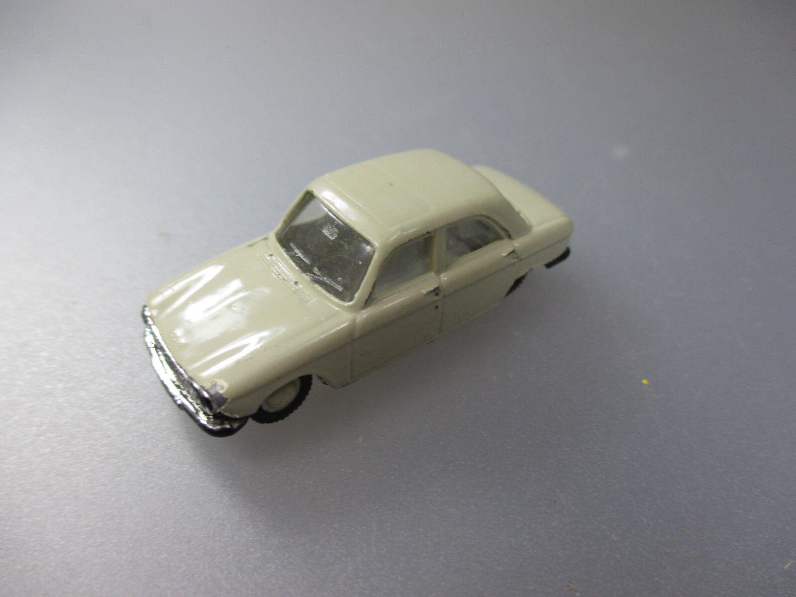 NOREV  vintage Peugeot 204, made in France, 1 86 Scale (pkw43)