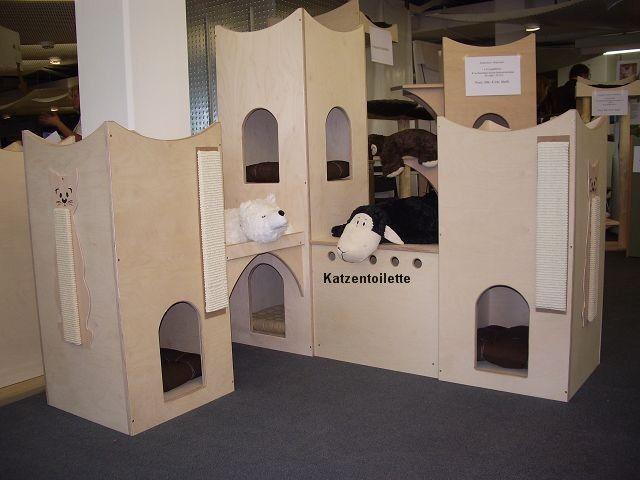 Kratzbaum Katzenturm Landschaft aus massivem Holz mit Katzentoilette