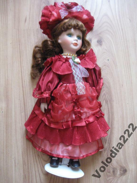 COLLECTION PORCELAIN VICTORIAN DOLL - BEAUTIFUL TOY
