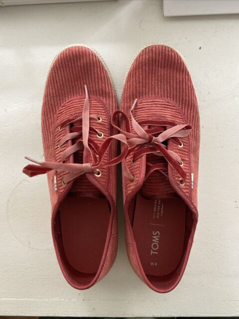 Toms faded red corduroy tennis shoes sz 9