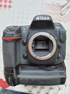 Nikon D300s + grip MB-D10 + batterie haute capacité EN-EL4a (122.500 décl.)