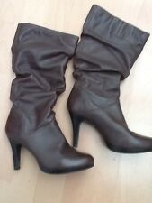 LADIES WOMENS  BROWN LEATHER UPPER PULL-ON NO ZIPPER High HEEL BOOTS SZ 7 EUC