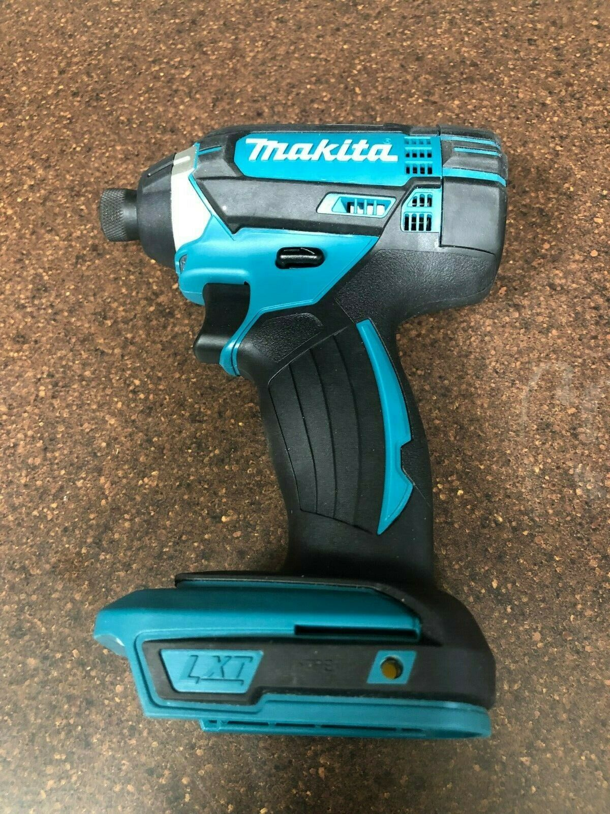 Makita 18VT LXT Lithium-Ion 1 4in Cordless Impact Driver XDT11 Tool Only