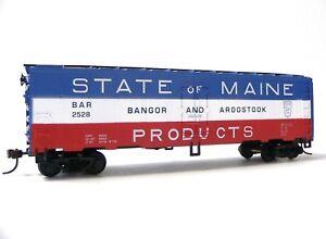 HO-Scale-Model-Railroad-Trains-Layout-MRC-Mantua-Bangor-amp-Aroostook-Reefer-Car