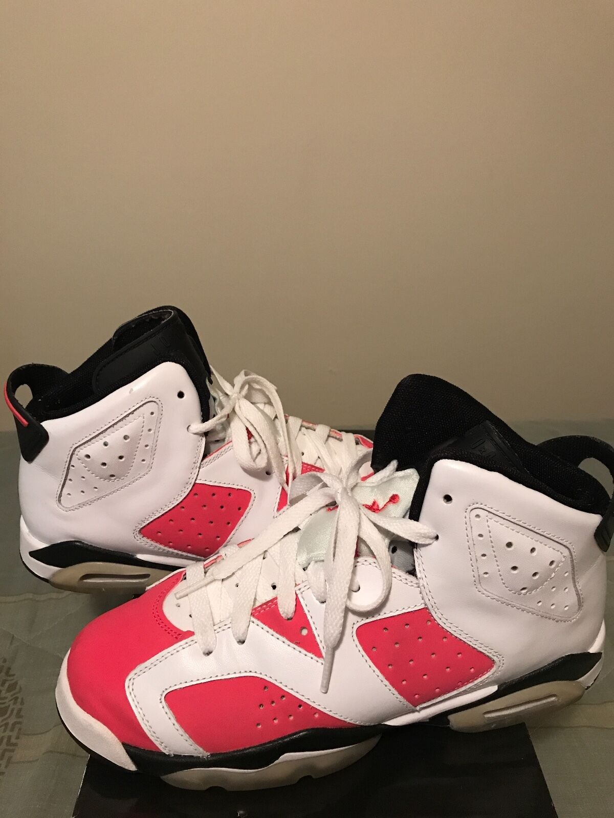2009 Retro Jordan 6 Size 7 in Good Condition