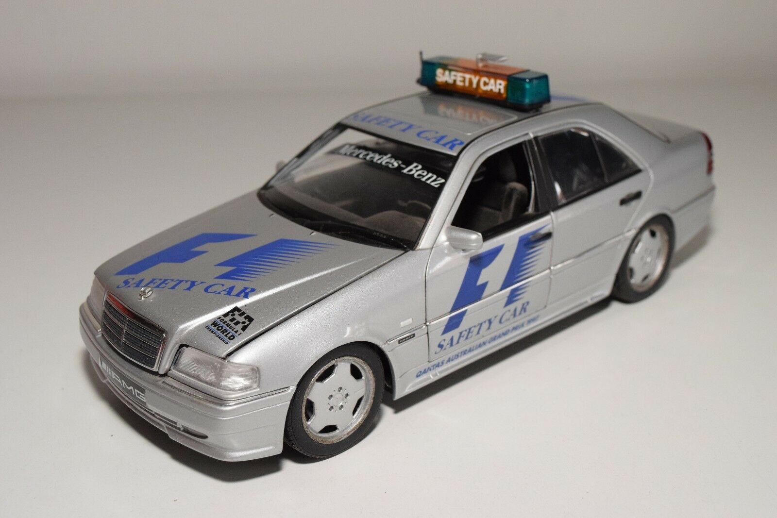 X 1 18 UT MODELS MERCEDES-BENZ C-CLASS C36 AMG SAFETY CAR EXCELLENT CONDITION