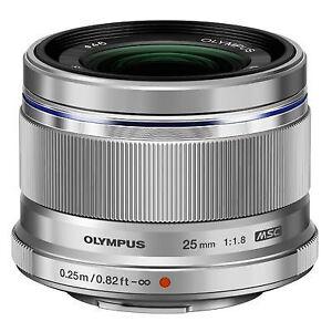 Olympus-M-Zuiko-Digital-EZ-M2518-25-mm-F-1-8-MSC-ED-Objektiv-Silber
