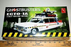 AMT-Ecto-1A-Ghostbusters-039-Ambulance-1-25-scale-Model-Kit-New