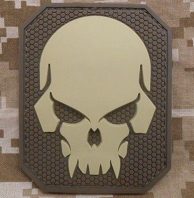 PIRATE SKULL 3D PVC MILITARY BADGE US ARMY DESERT VELCRO® BRAND FASTENER PATCH