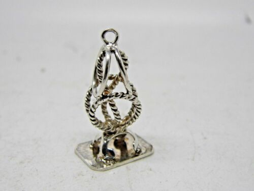 Pendant Seal of Chatelaine in Silver N 22