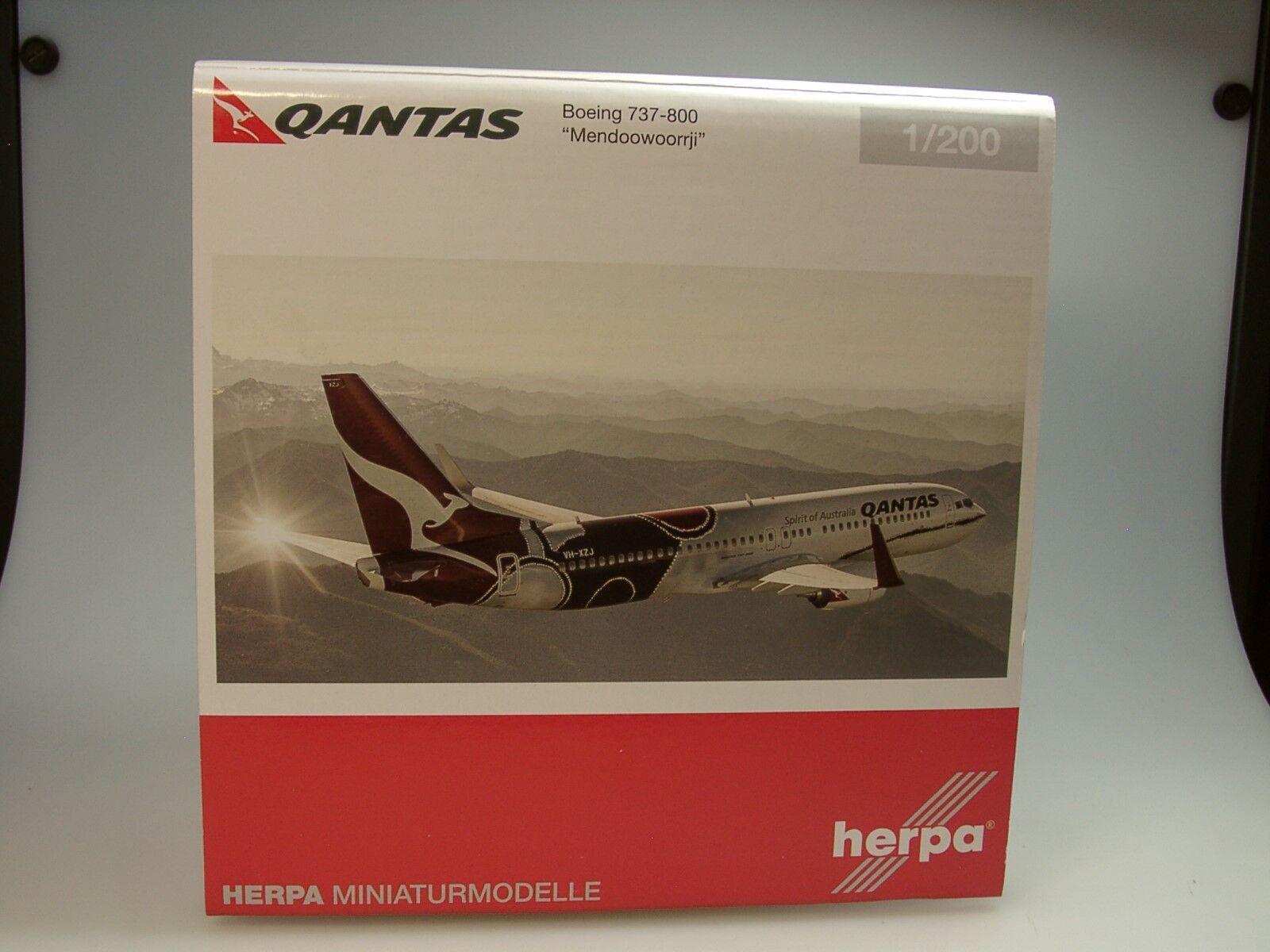 HERPA WINGS Boeing 737-800 Qantas  Mendoowoorrji  - 556491 - 1 200