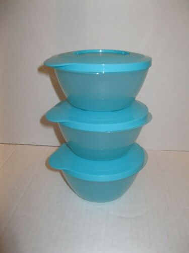 TUPPERWARE ~ 3 STACK STORE SERVE BOWLS with locking lids ~ AQUA prev owned