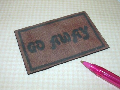 "DOLLHOUSE 1:12 Miniature Black and Brown UN-Welcome Door Mat /""GO AWAY/"""