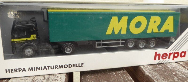 Herpa 142557 mb axes euro suitcase trailer  mora  modele export france