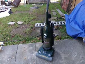 Vacuum Cleaner, Dirt DevilVISION WIDE GLIDE Bagless Upright Royal 086940