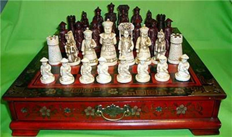 32 Pieces Chess A set of chess with wooden Coffee table: Free shipping